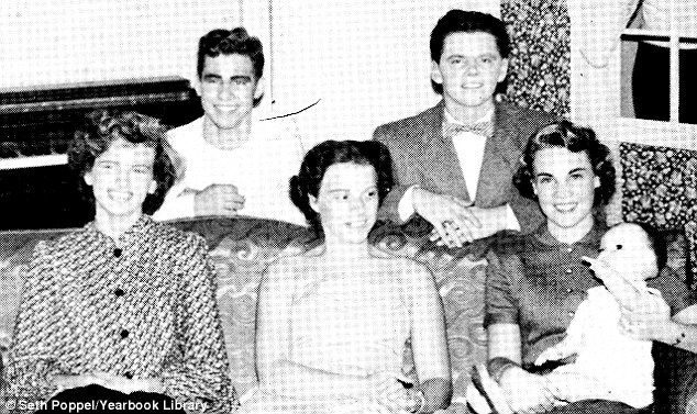 O ator sempre pensou que sua mãe era sua irmã