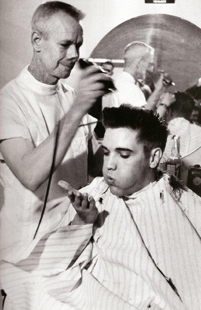 Ele se entrou no Exército aos 23 anos quando era famoso