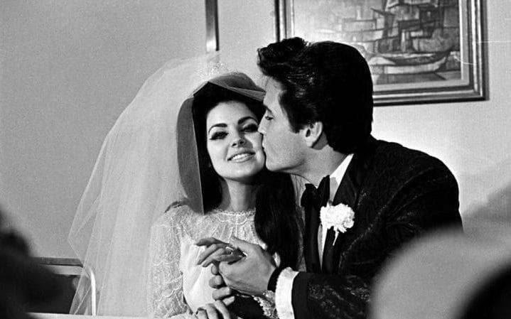 No dia do seu casamento com Priscila Presley