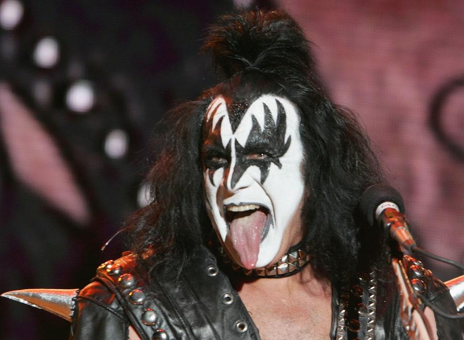 Gene Simmons do Kiss tinha língua de vaca