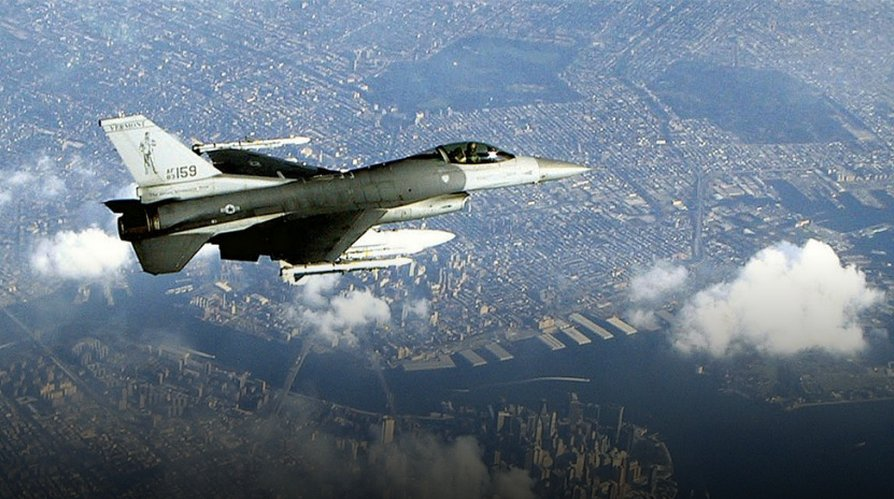 6. Dois F-16 desarmados mexeram para parar outros aviões seqüestrados e os pilotos estavam preparados para dar suas vidas para detê-los.