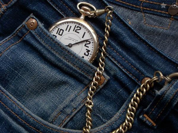 O pequeno bolso das calças era guardar o relógio de bolso