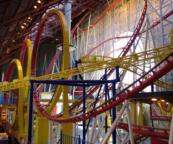 Mindbender - Galaxyland Amusement Park (Canadá)