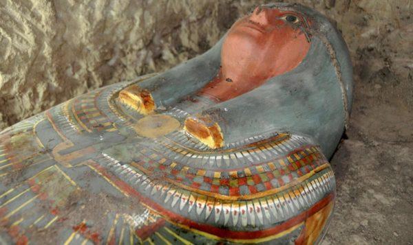 Os egípcios momificavam seus faraós porque acreditavam que se tornariam deuses