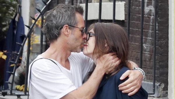 O casal de famosos está unido desde 2015