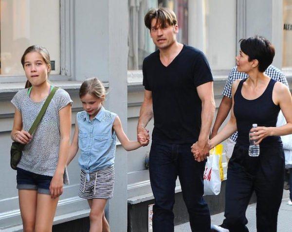 Jaime Lannister leva uma vida conjugal com a cantora Nukaka