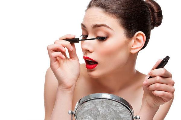 Se você notou que alguém usou maquiagem, você notou que...
