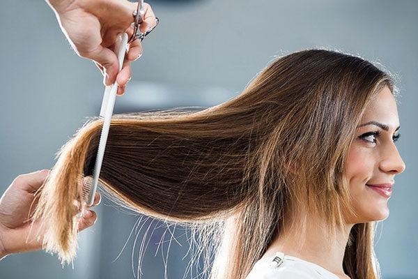 Um corte de cabelo