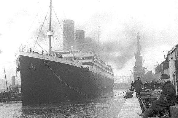 "O ""Royal Mail Steamship Titanic"""