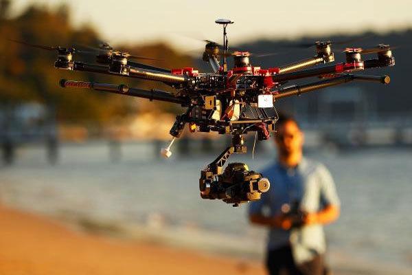 Advogado especializado em drones e cibersegurança
