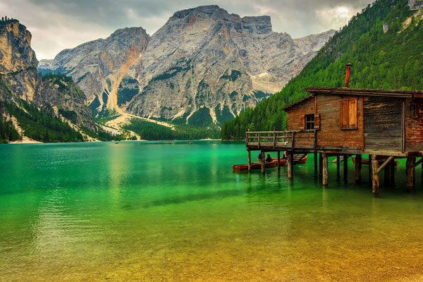 Cabana no lago