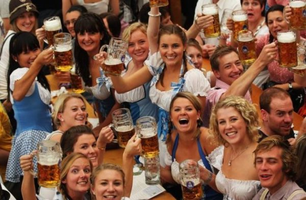 Beer, Pretzels e Lederhosen