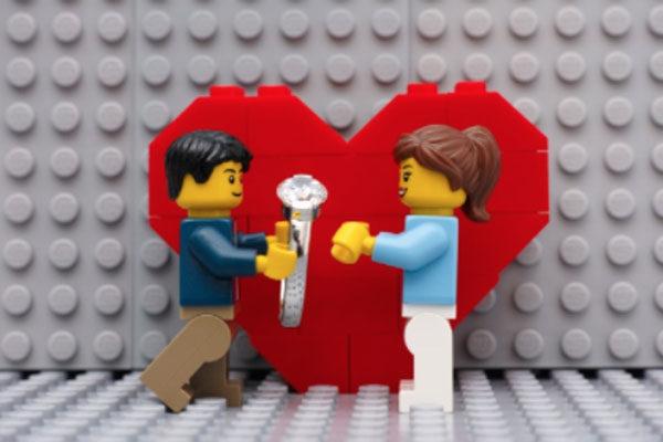 O amor é construído com Legos
