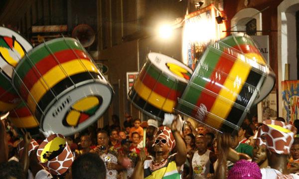 Dezesseis horas por dia de cultura popular brasileira
